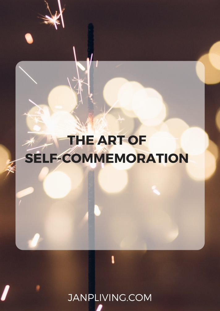 THE ART OF SELF-COMMEMORATION SC